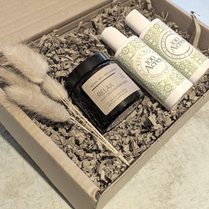 Relax and Bathe Gift Box - heart deco