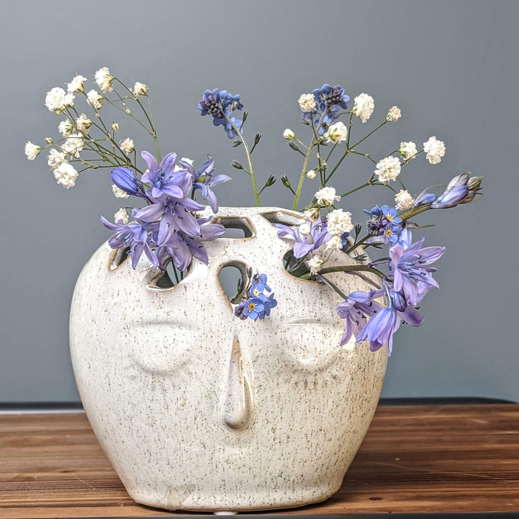 Stoneware Off-white Face Vase - heart deco