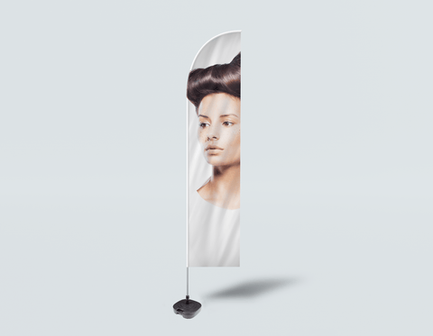 Salon Beach Flag - Frau in Side Quiff Frisur mit Baum Grafik Design Kleid