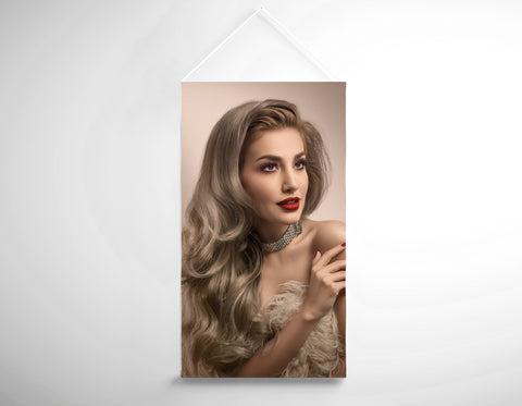 Textil Salon Banner - Frau in großen Locken Hollywood Glam Look