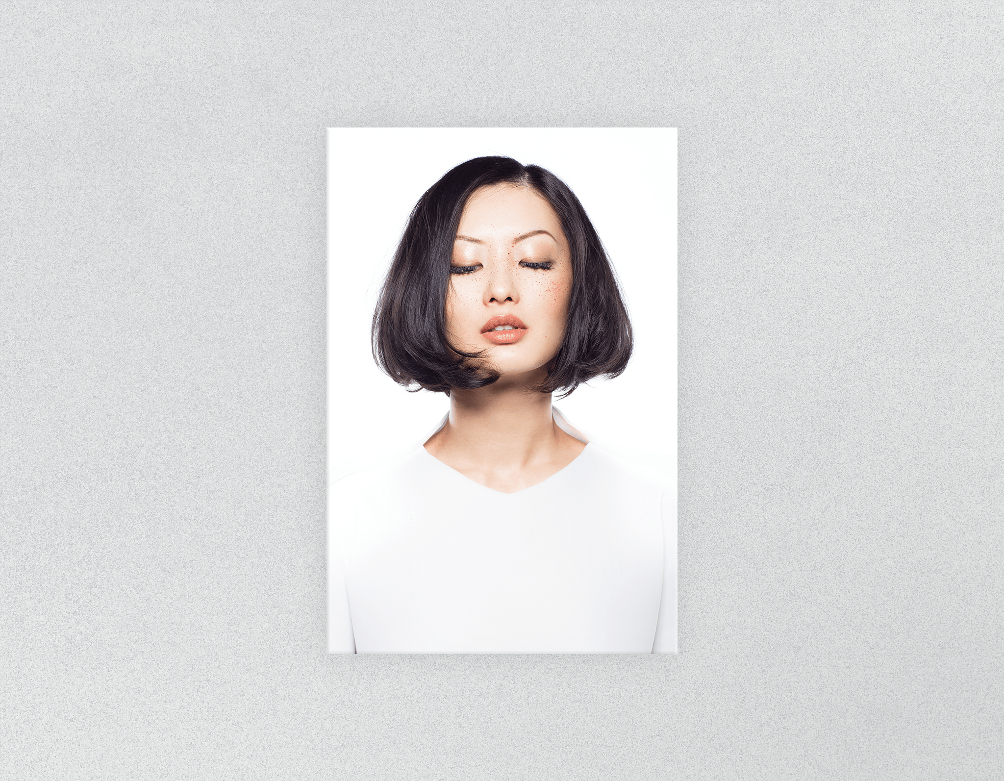 Plastic Salon Posters: Woman in Bob Hairstyle