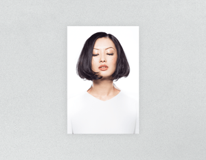 Plastic Salon Posters: Woman in Bob Hairstyle - Bound for Style