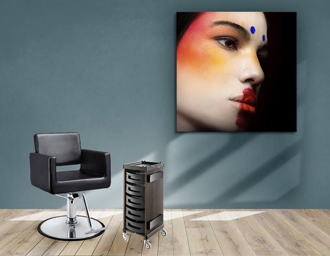 Salon Banner, Stoff & Aluminium Rahmen - Frau mit Avantgarde Make-up