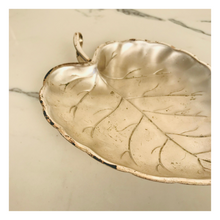 Load image into Gallery viewer, Silver Leaf Dish