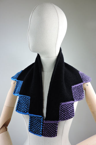 Dual colour neckerchief