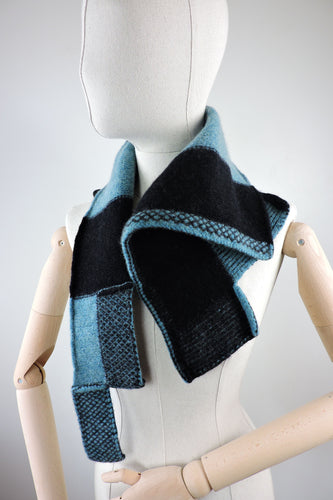 Right angle neckerchief