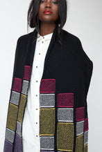 Moving tile motif scarf