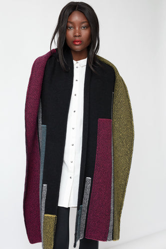 Colour contrast scarf