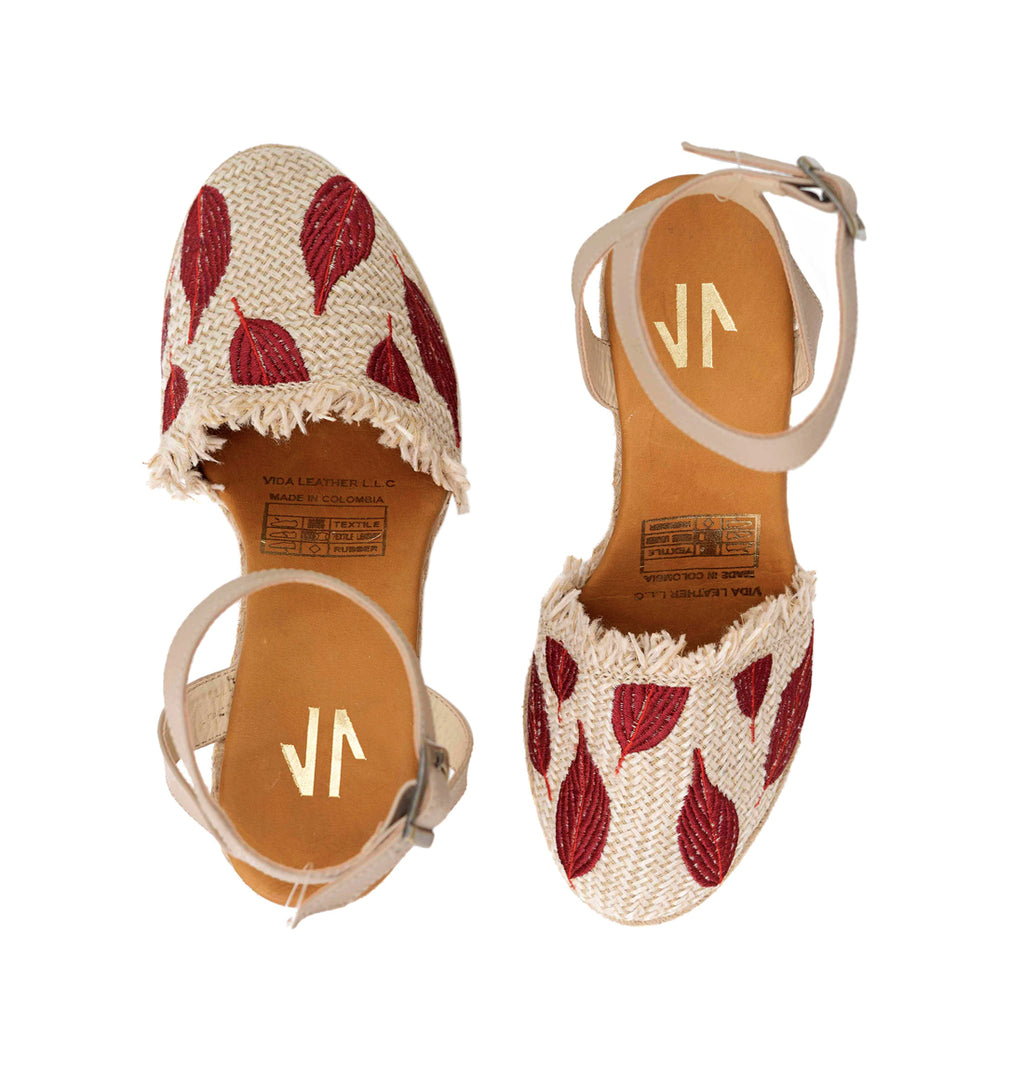 Espadrilles Sandal with Red Leaves