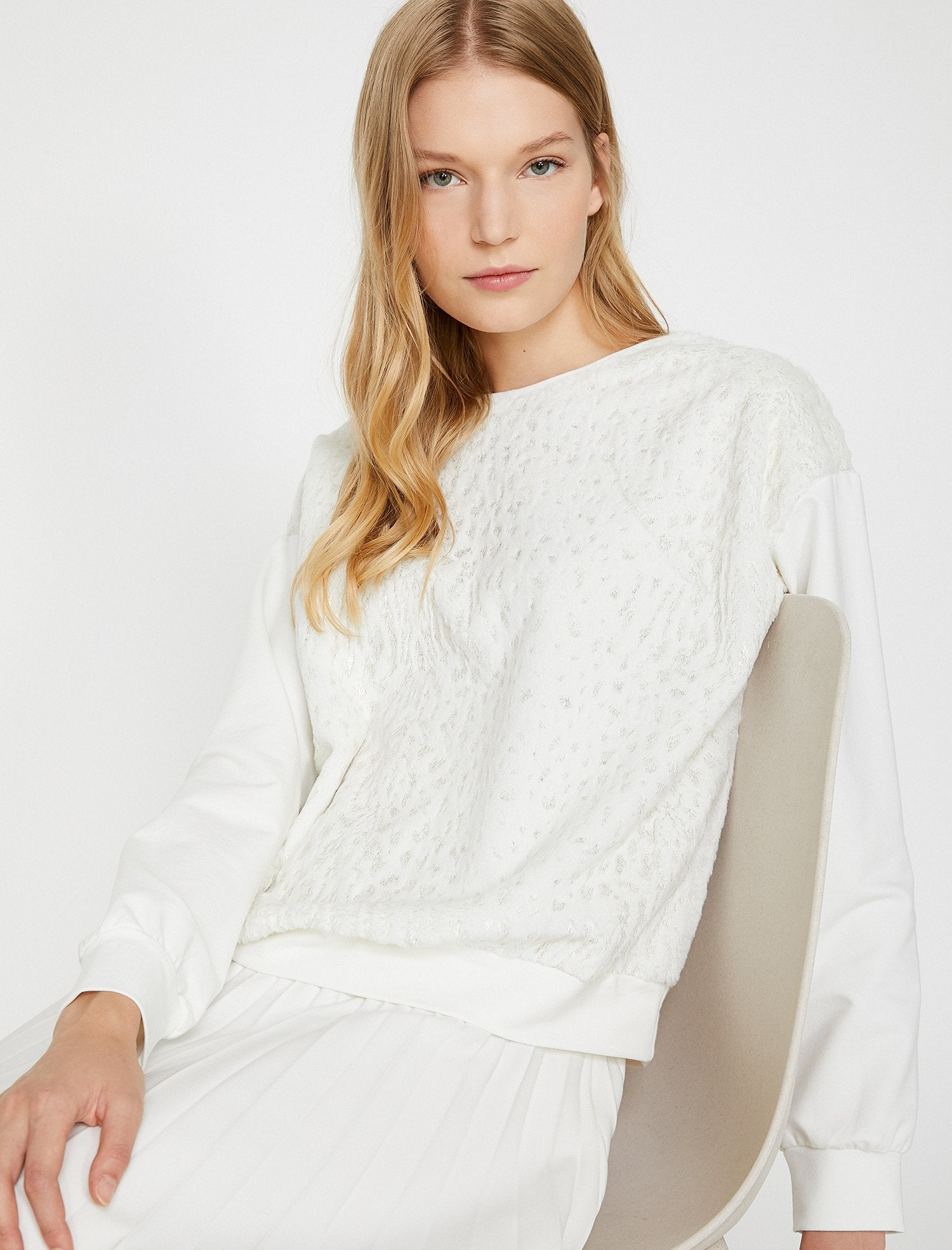 Patterned Tonal Sweatshirt in Cream
