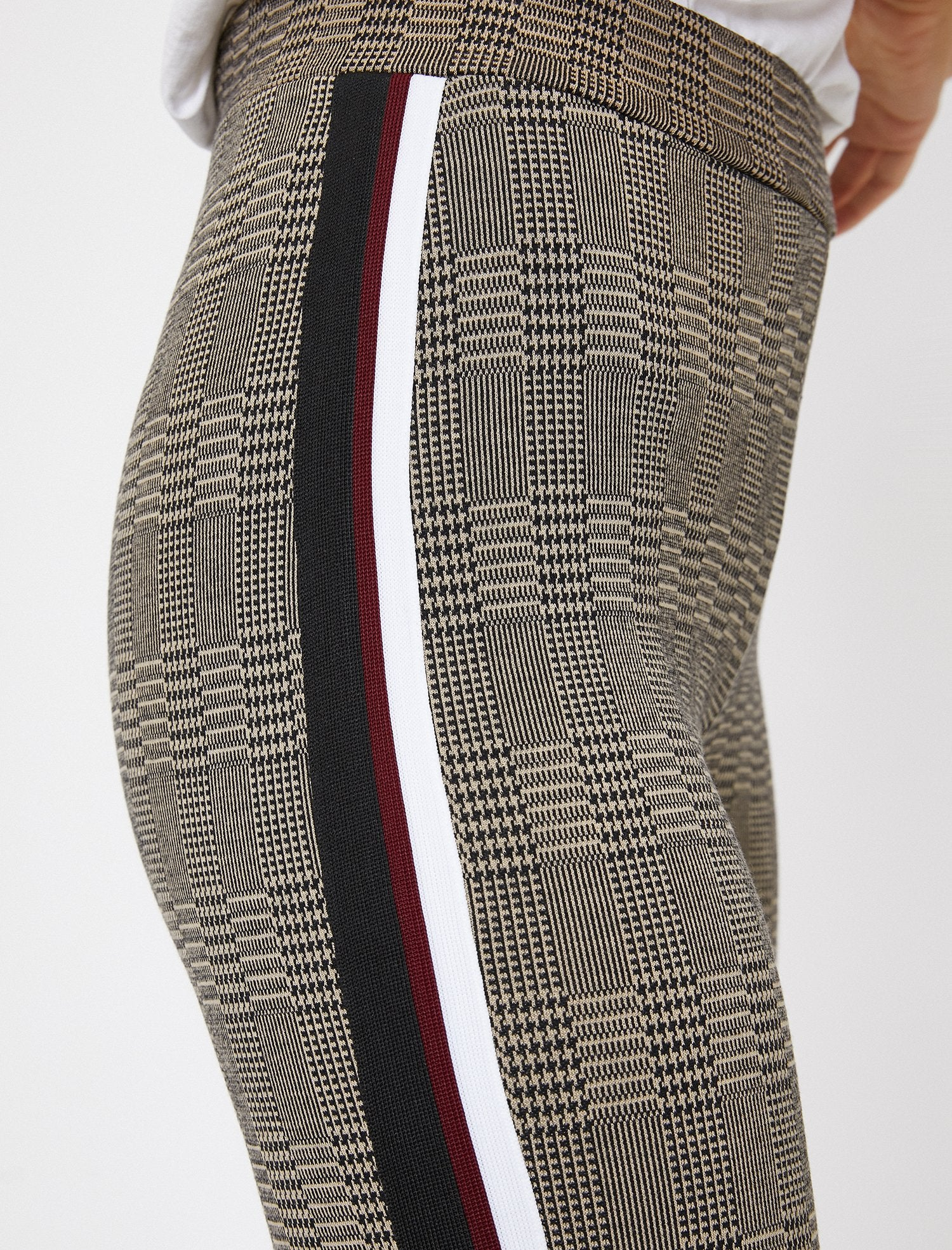 Side-Striped Legging in Brown Plaid