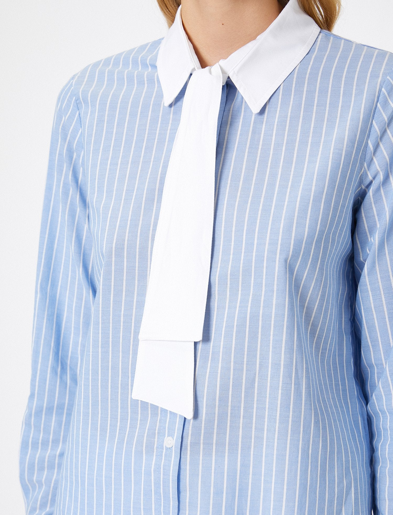 Contrast Collar Striped Shirt in White