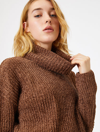 Shimmered Turtle Neck Sweater in Brown Heather