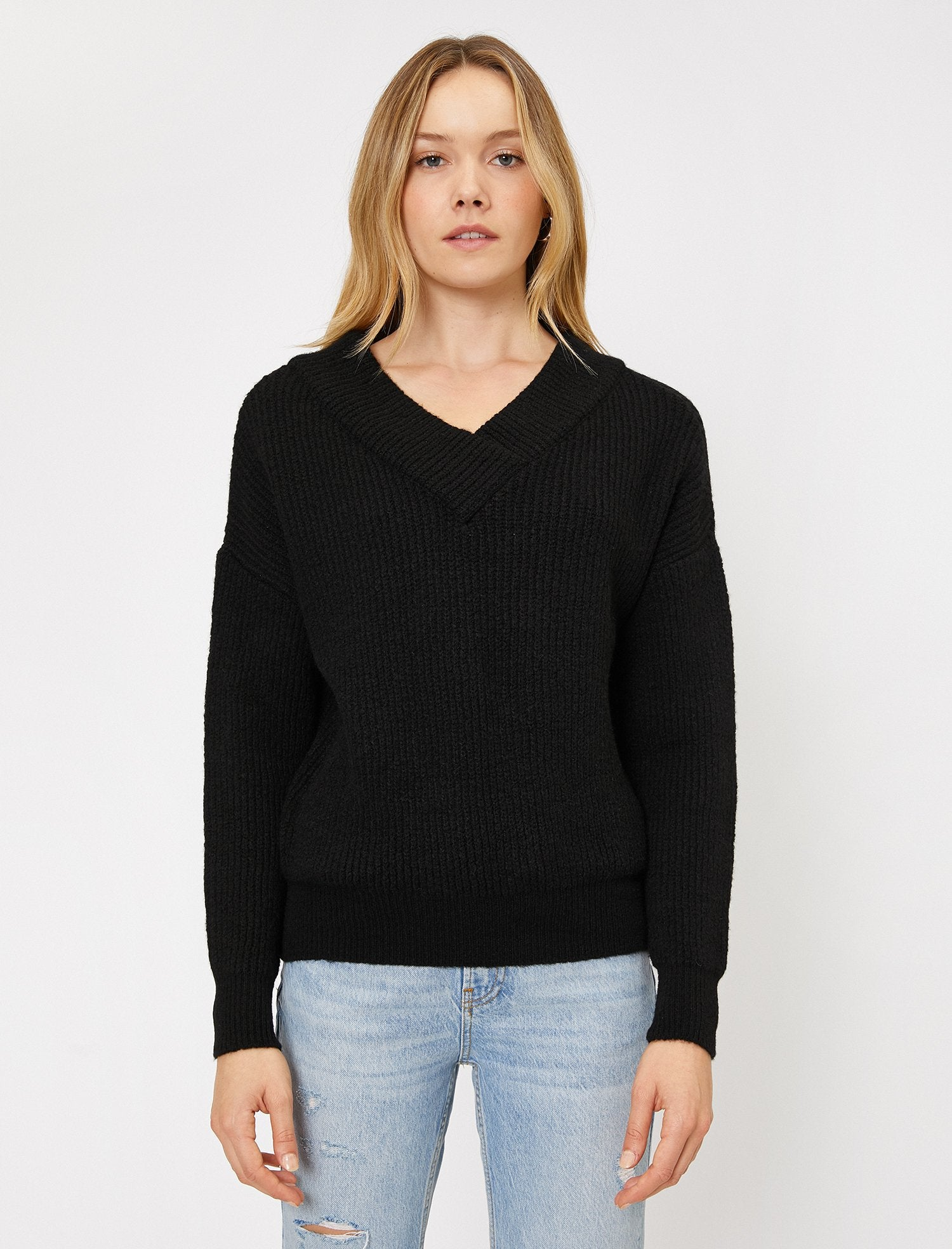 Ribbed V Neck Sweater in Black