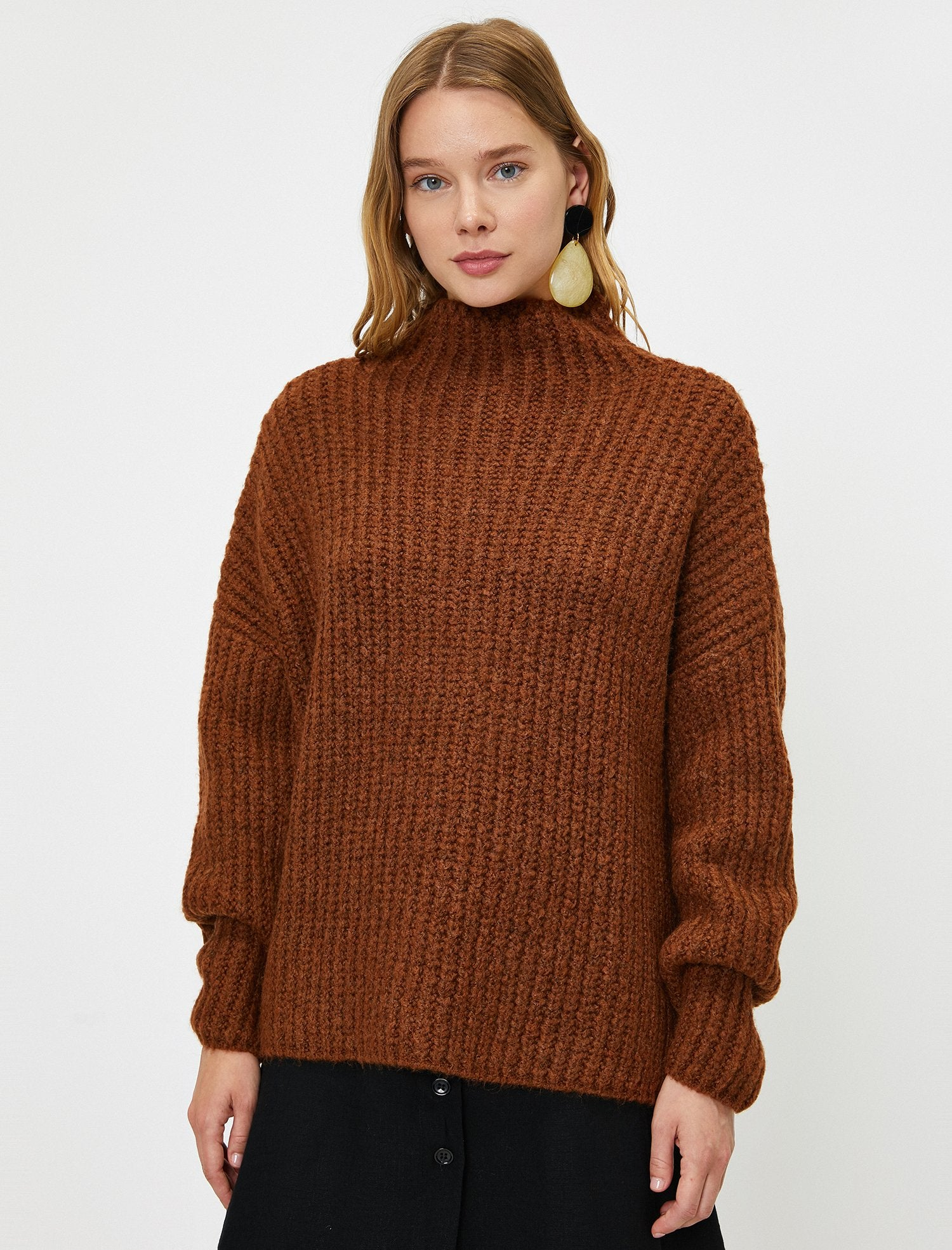 Mock Neck Chunky Sweater in Dark Brown