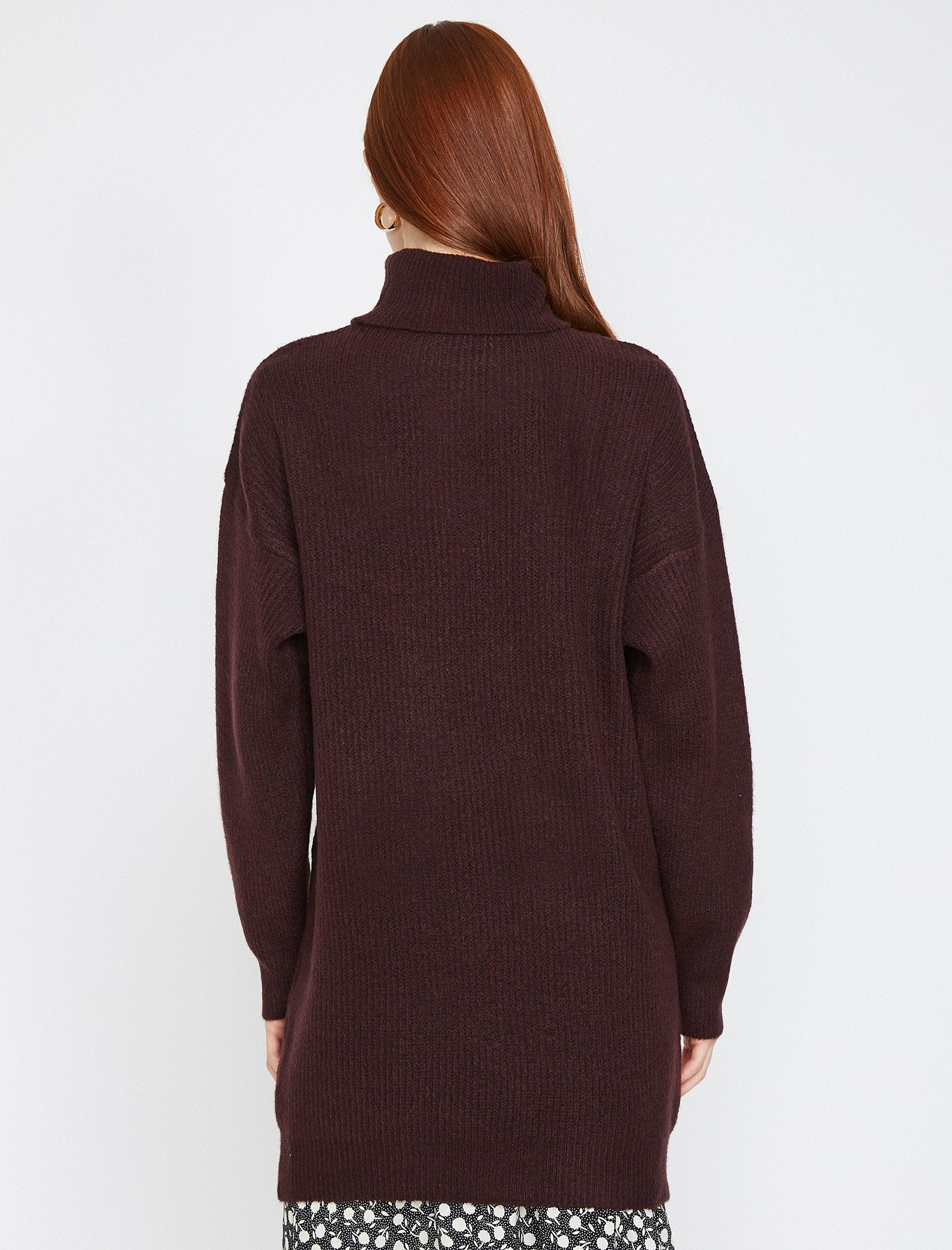 Oversize Turtle Neck Sweater in Bordeaux