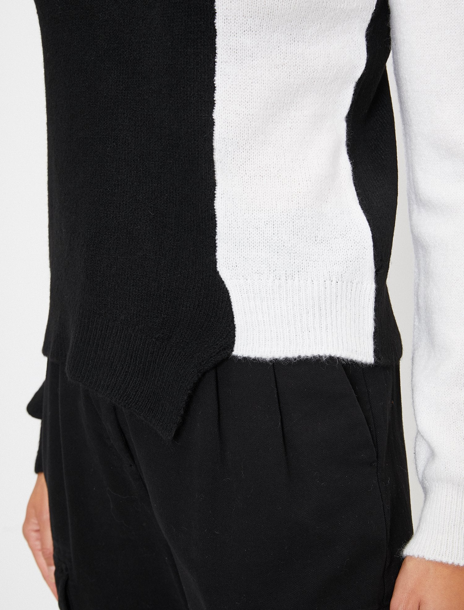 Color Blocked Boat Neck Sweater in White