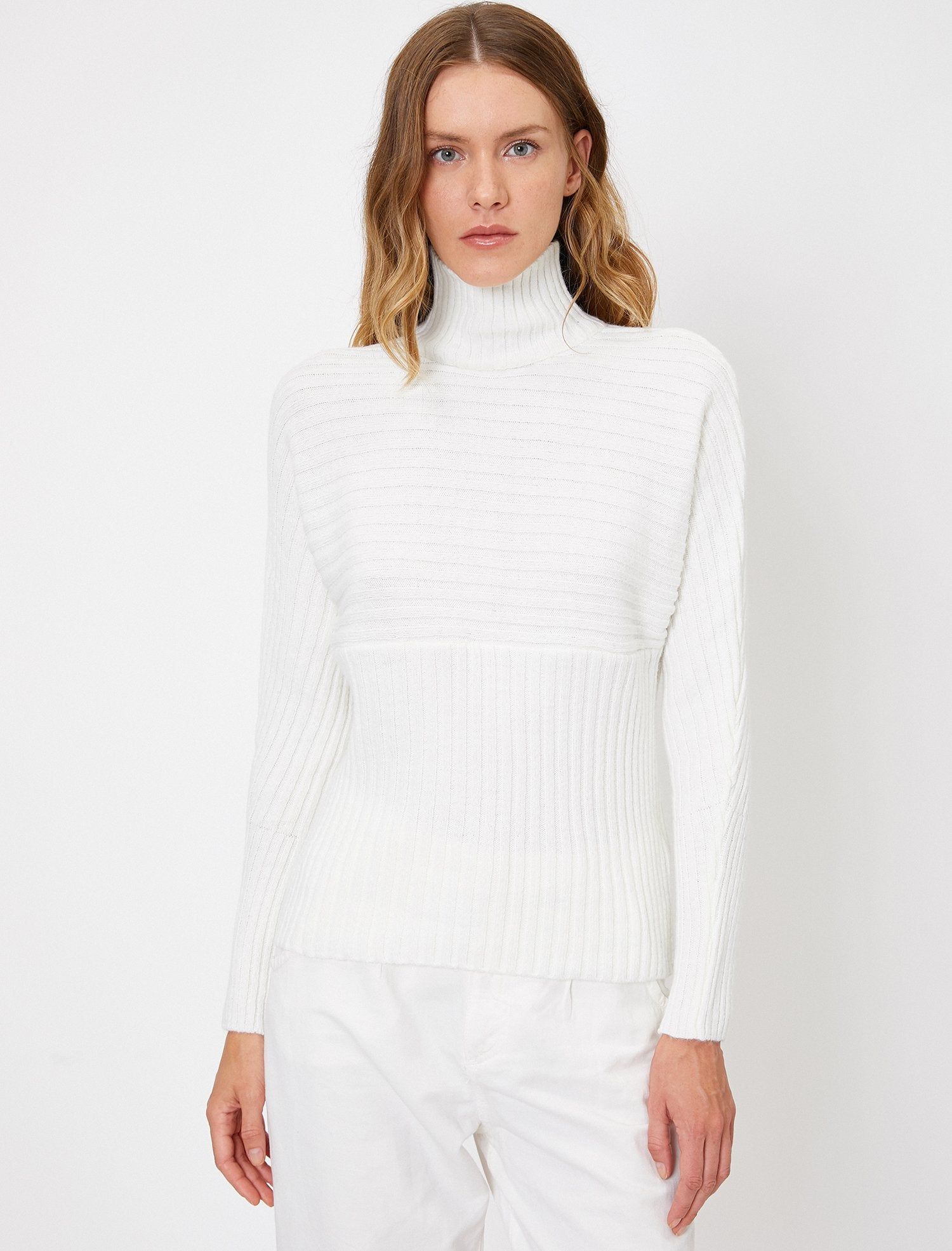 Chunky Ribbed Turtle Neck Sweater in White
