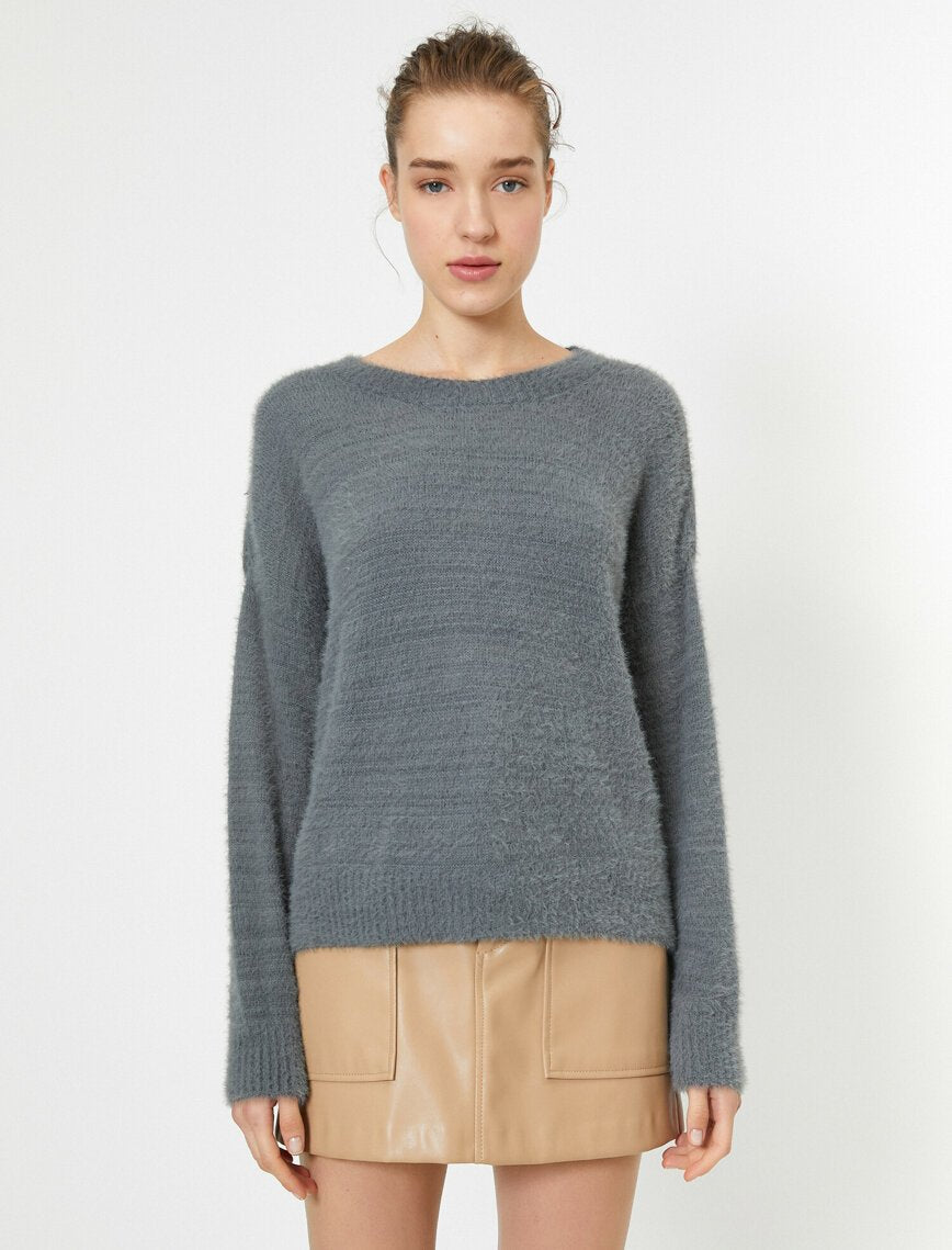 Fuzzy Oversize Sweater in Gray