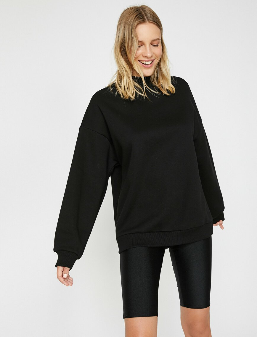 Mock Neck Oversize Jumper in Black