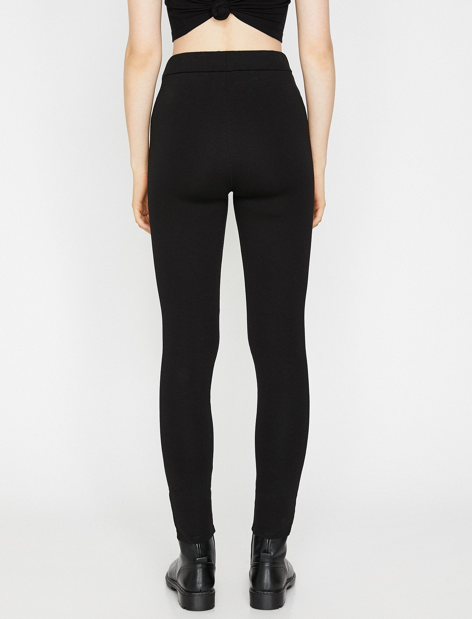 Front Button Legging in Black