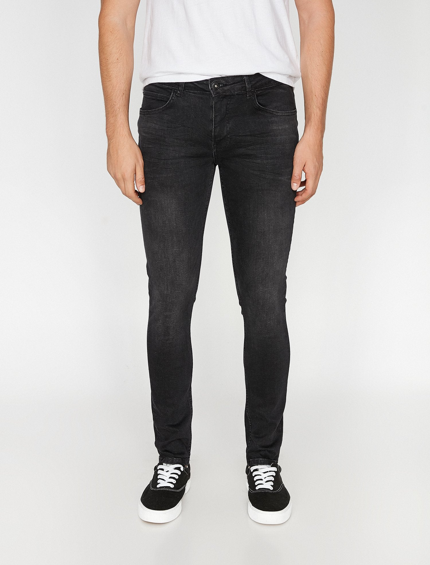 Super Skinny Fit Justin Jeans in Black Wash