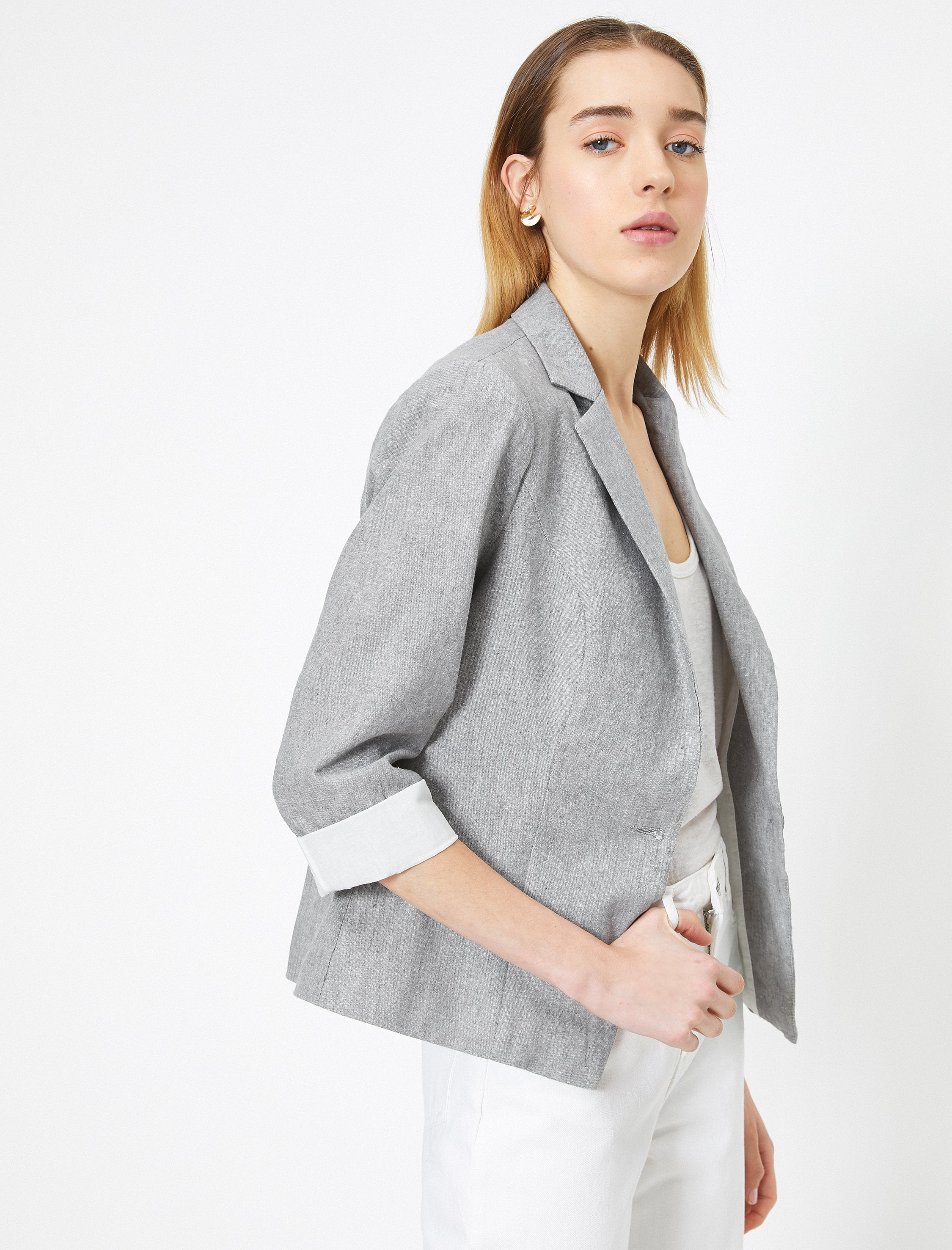 Short Natural Look Blazer in Gray