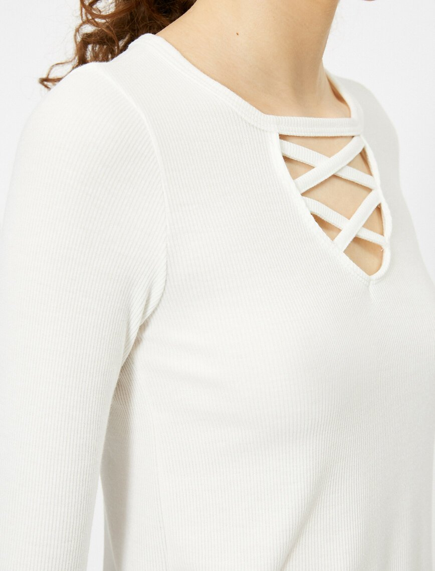 Lace Front Tshirt in Cream