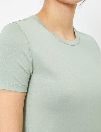 Short Basic Tshirt in Green