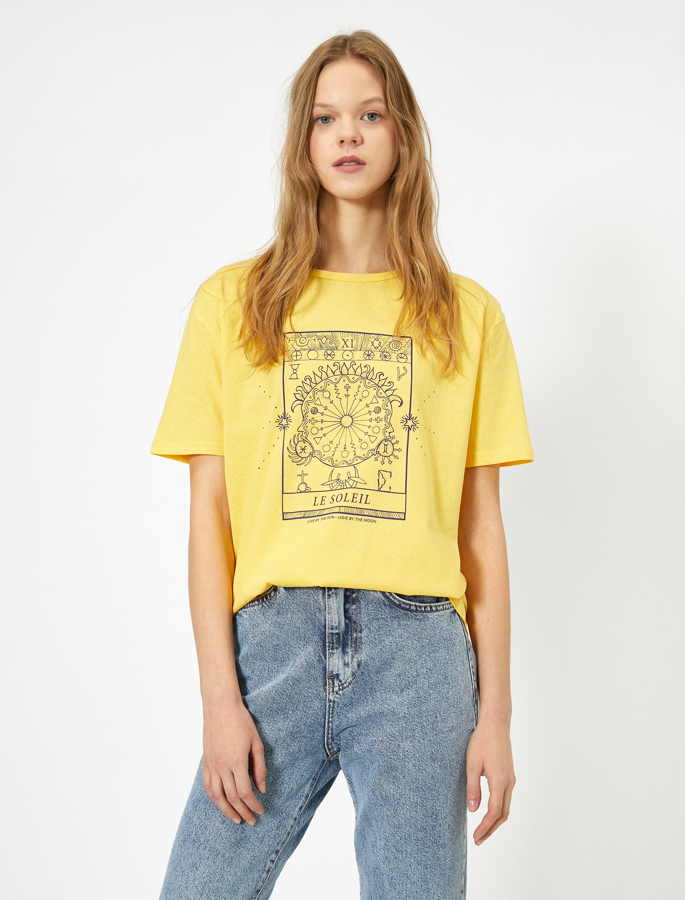 Graphic Relaxed Tshirt in Yellow