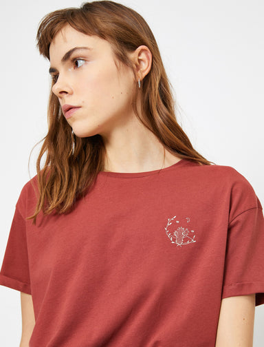 Cropped Graphic Tshirt in Clay