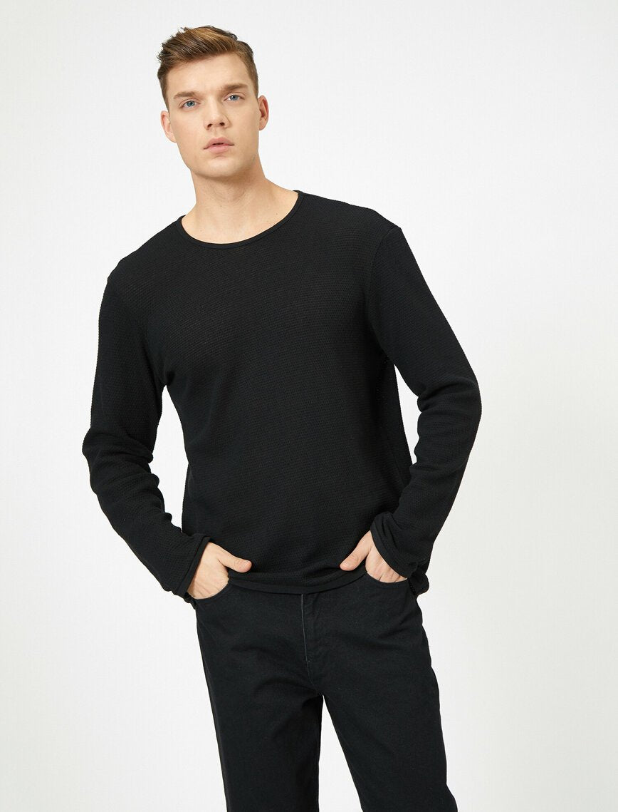 Textured Crew Neck Sweater in Black