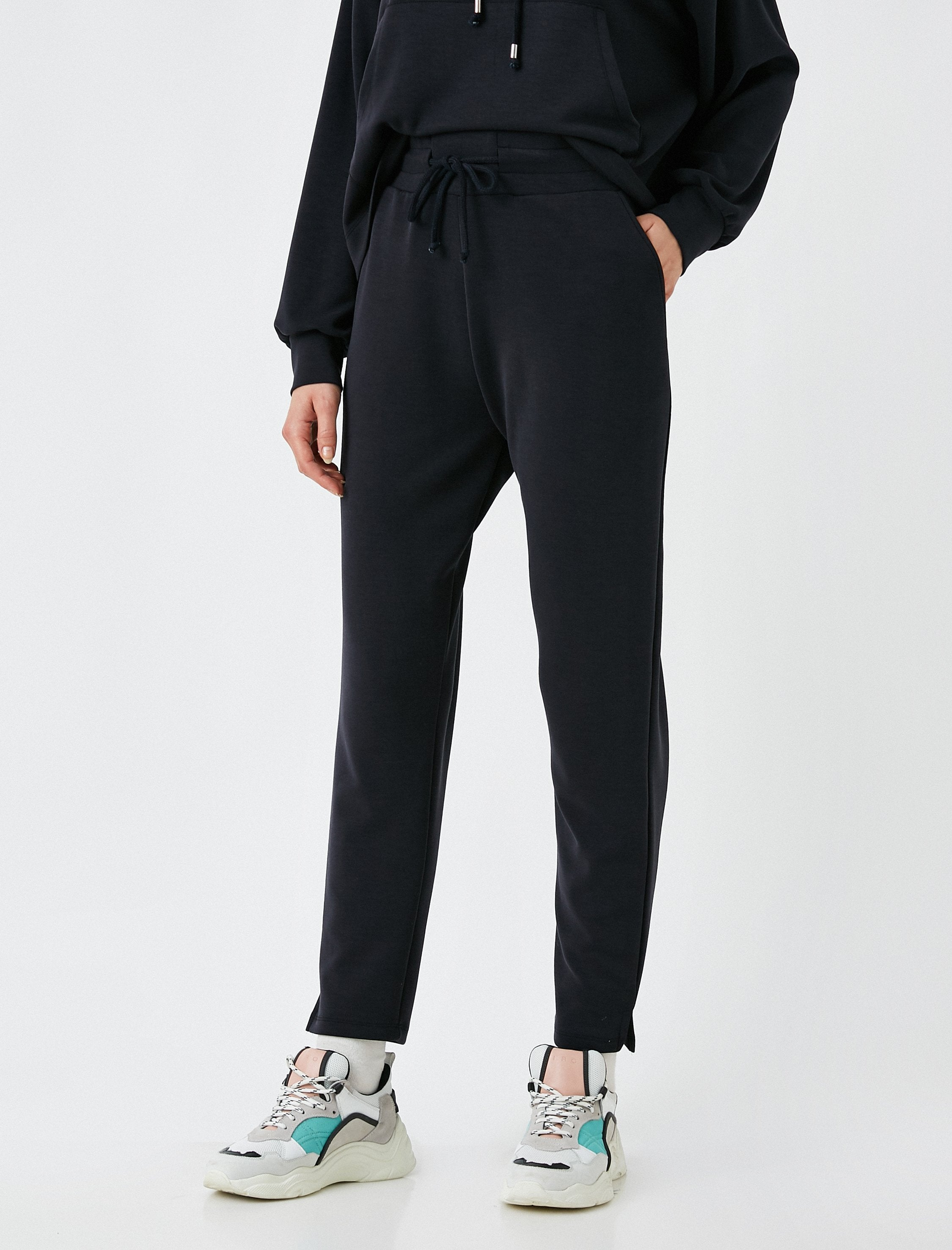 Soft Jogger Pants in Black