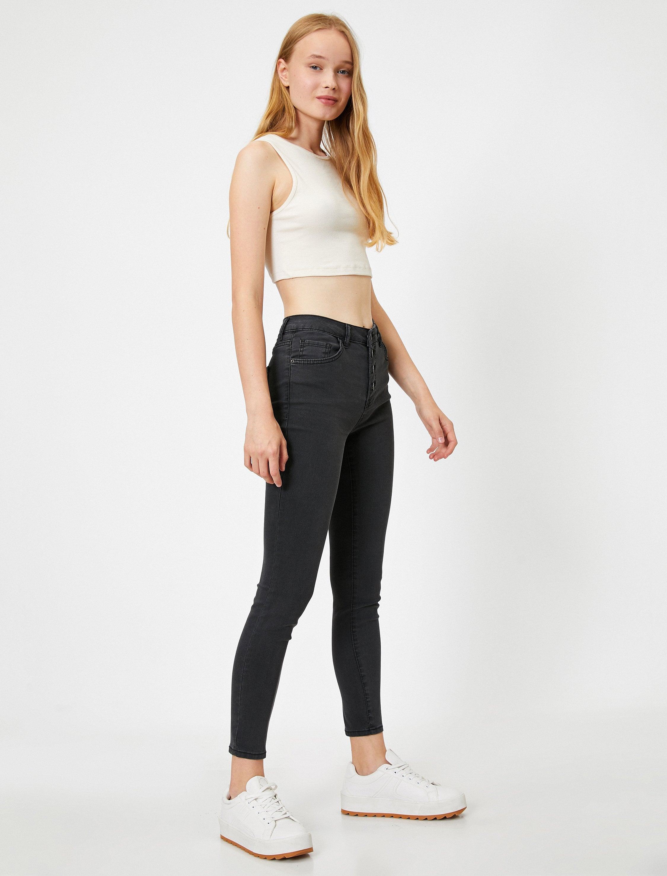 High-Rise Skinny in Charcoal