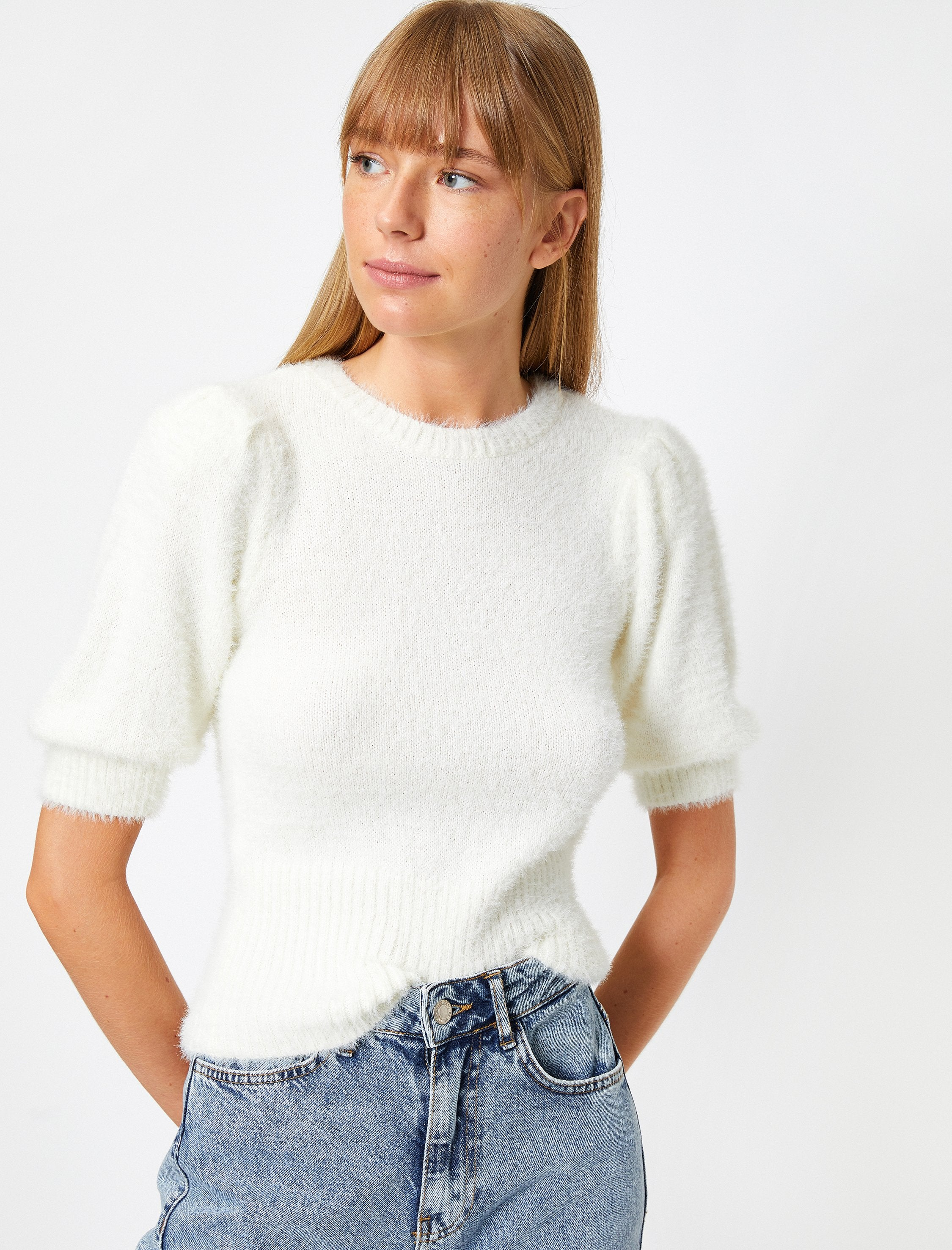 Puff Sleeve Fuzzy Sweater in Cream