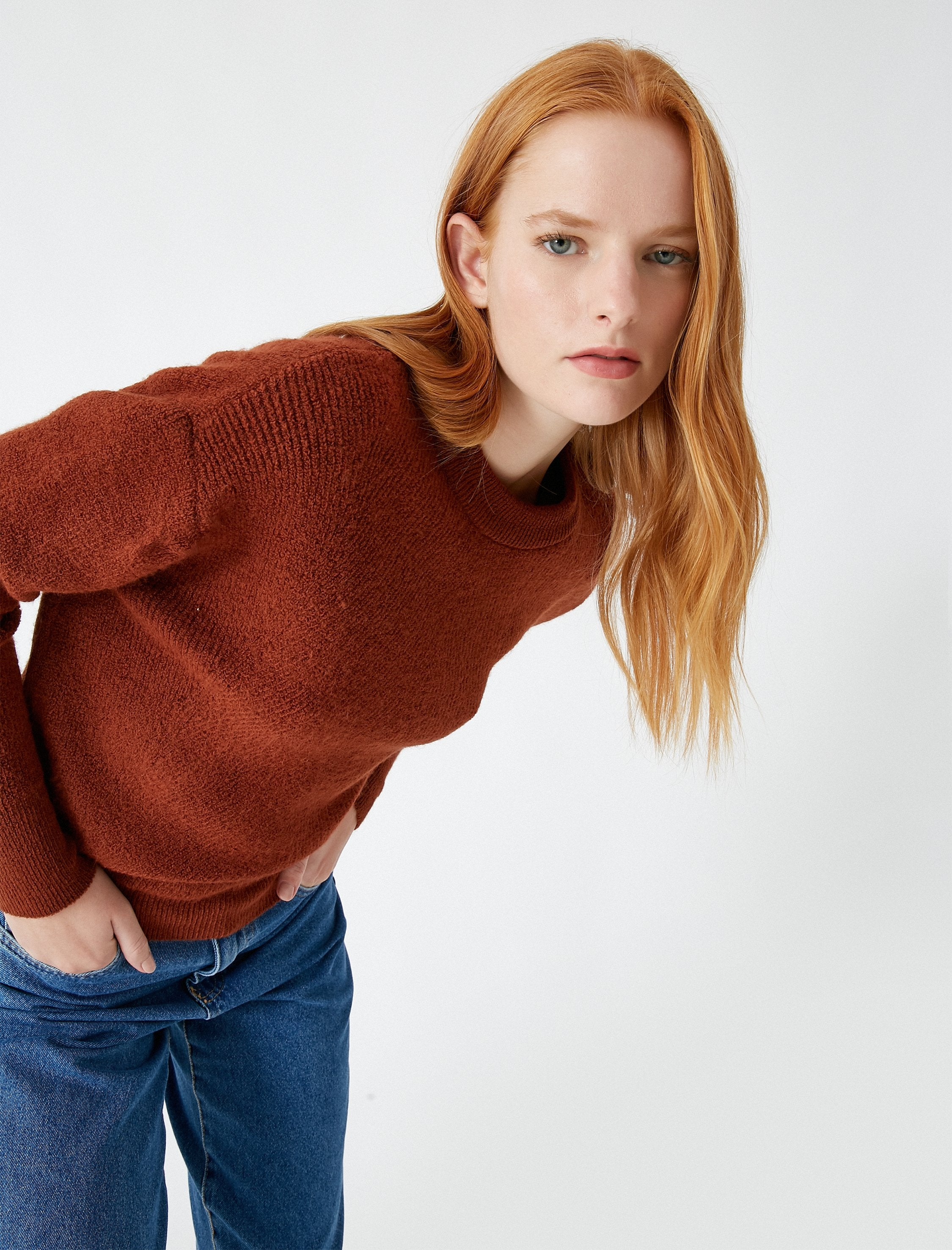 Relaxed Crew Neck Sweater in Mocha