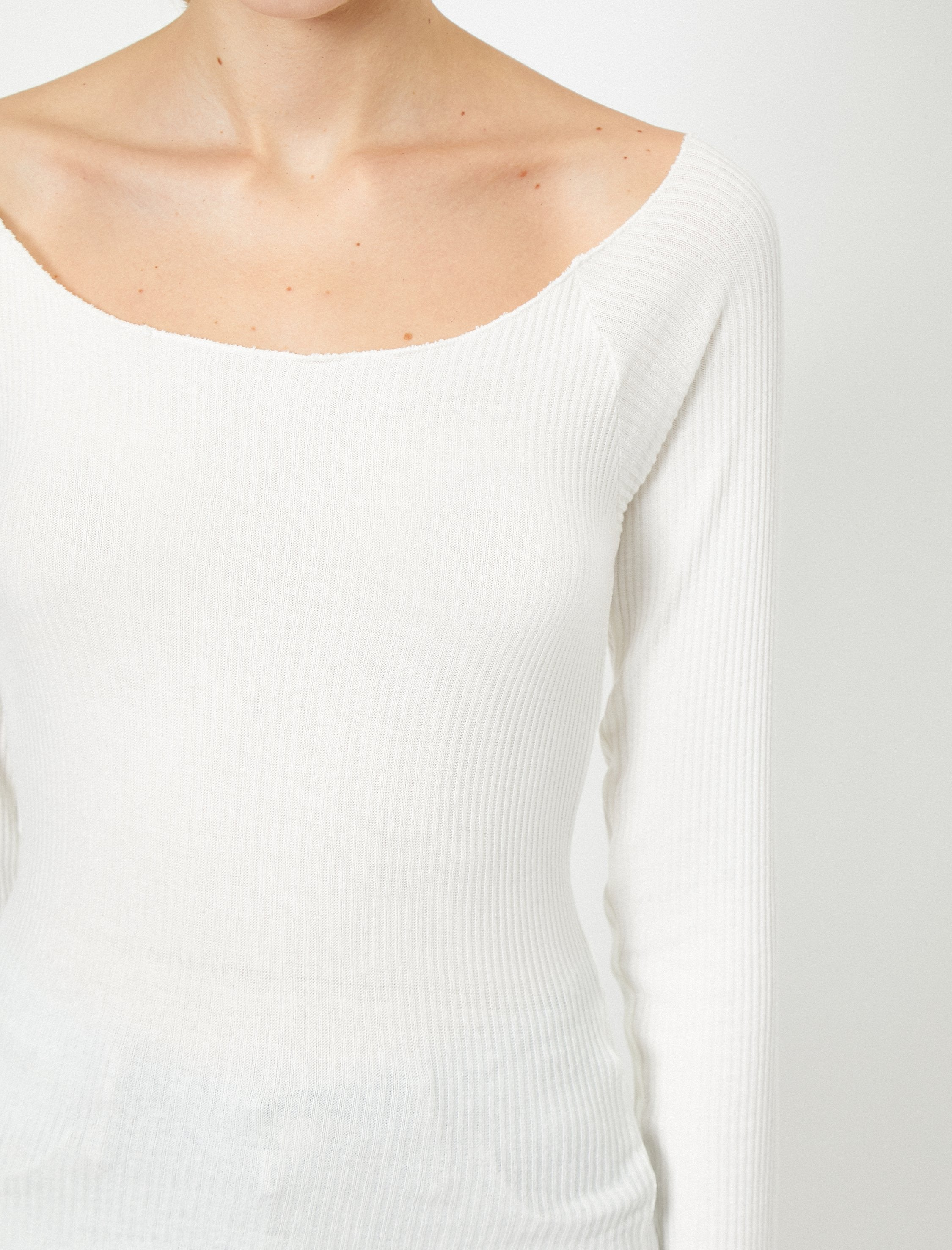 Long Sleeve Scoop Neck Tshirt in White