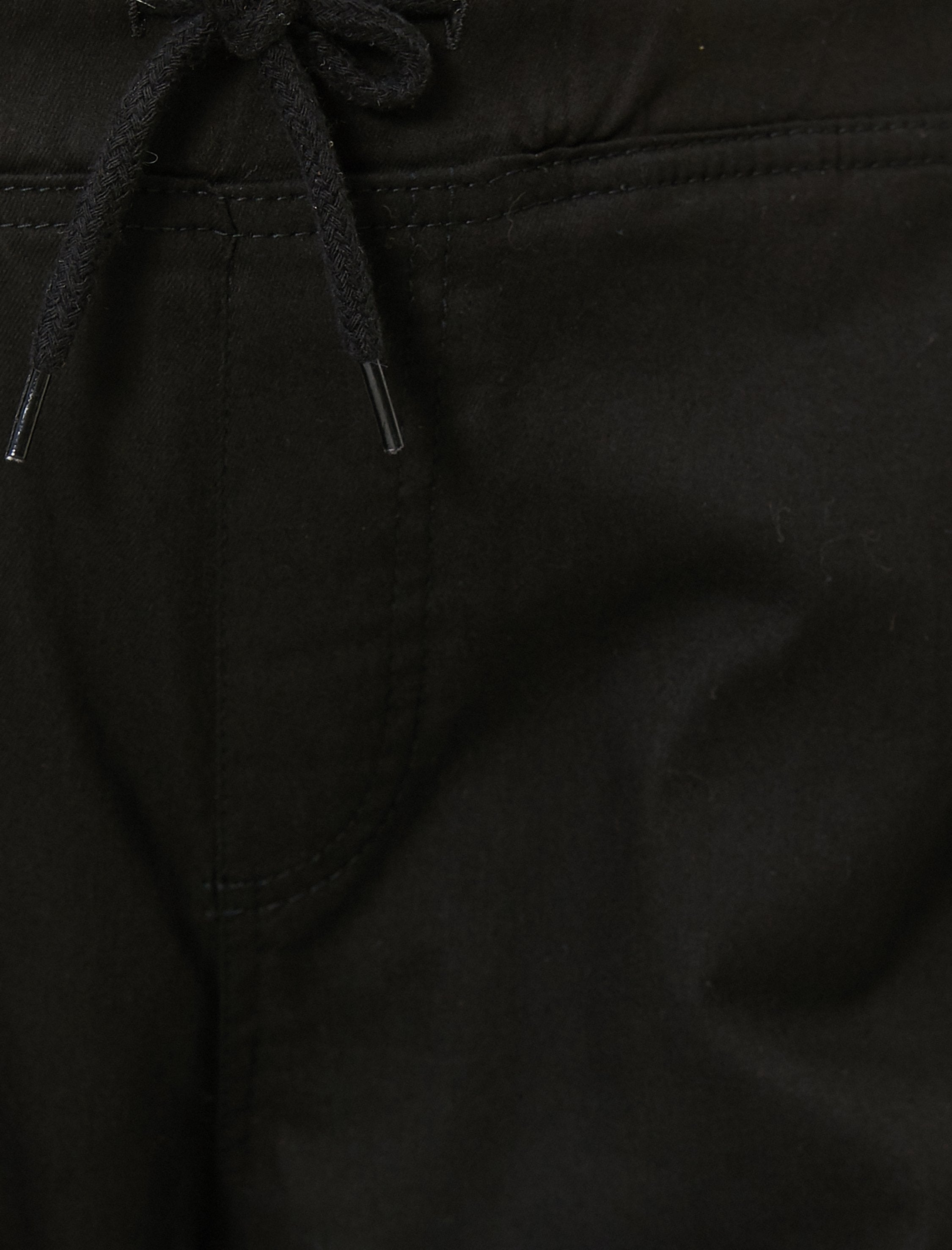 Twill Cargo Joggers in Black