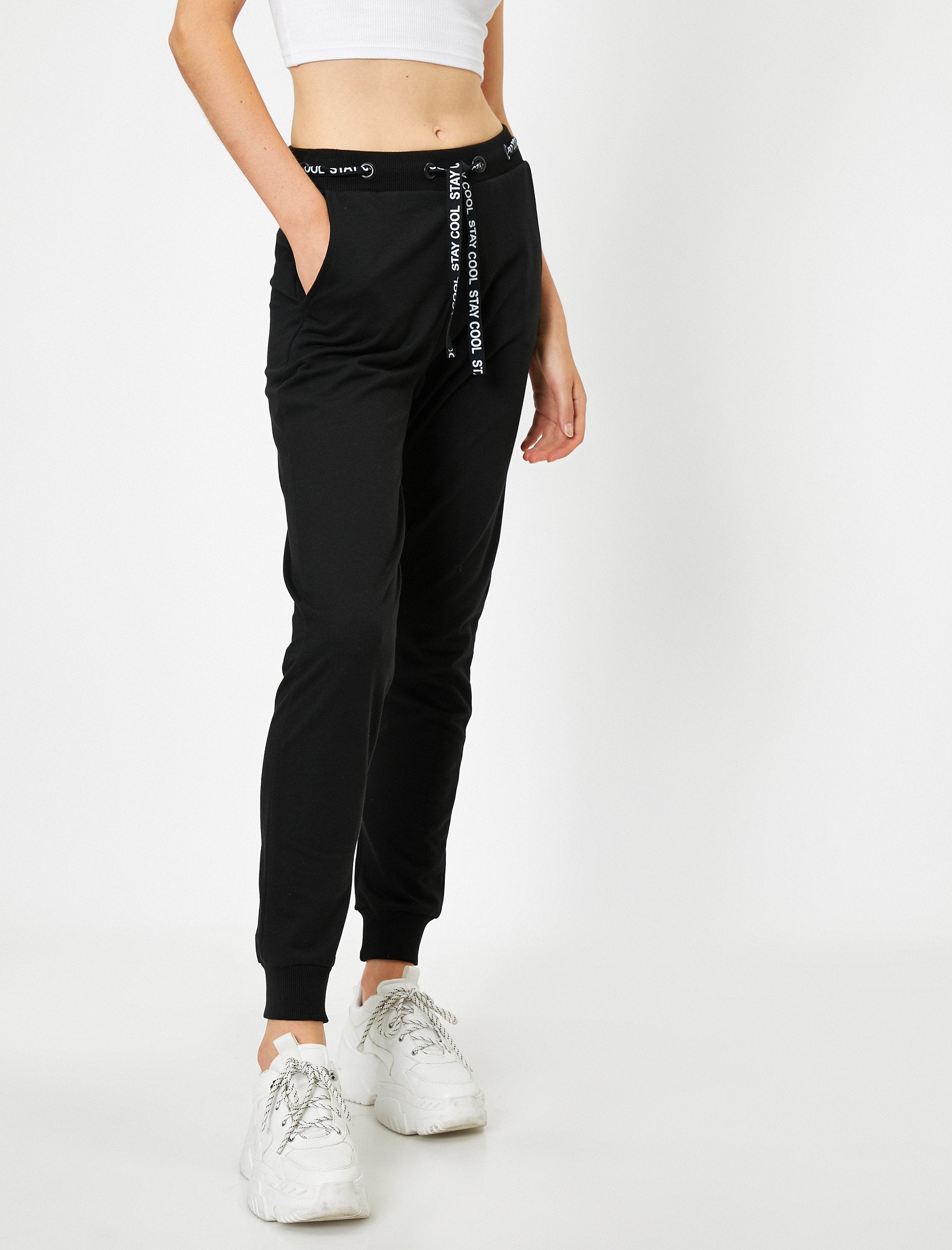 The 80's Jogger in Black