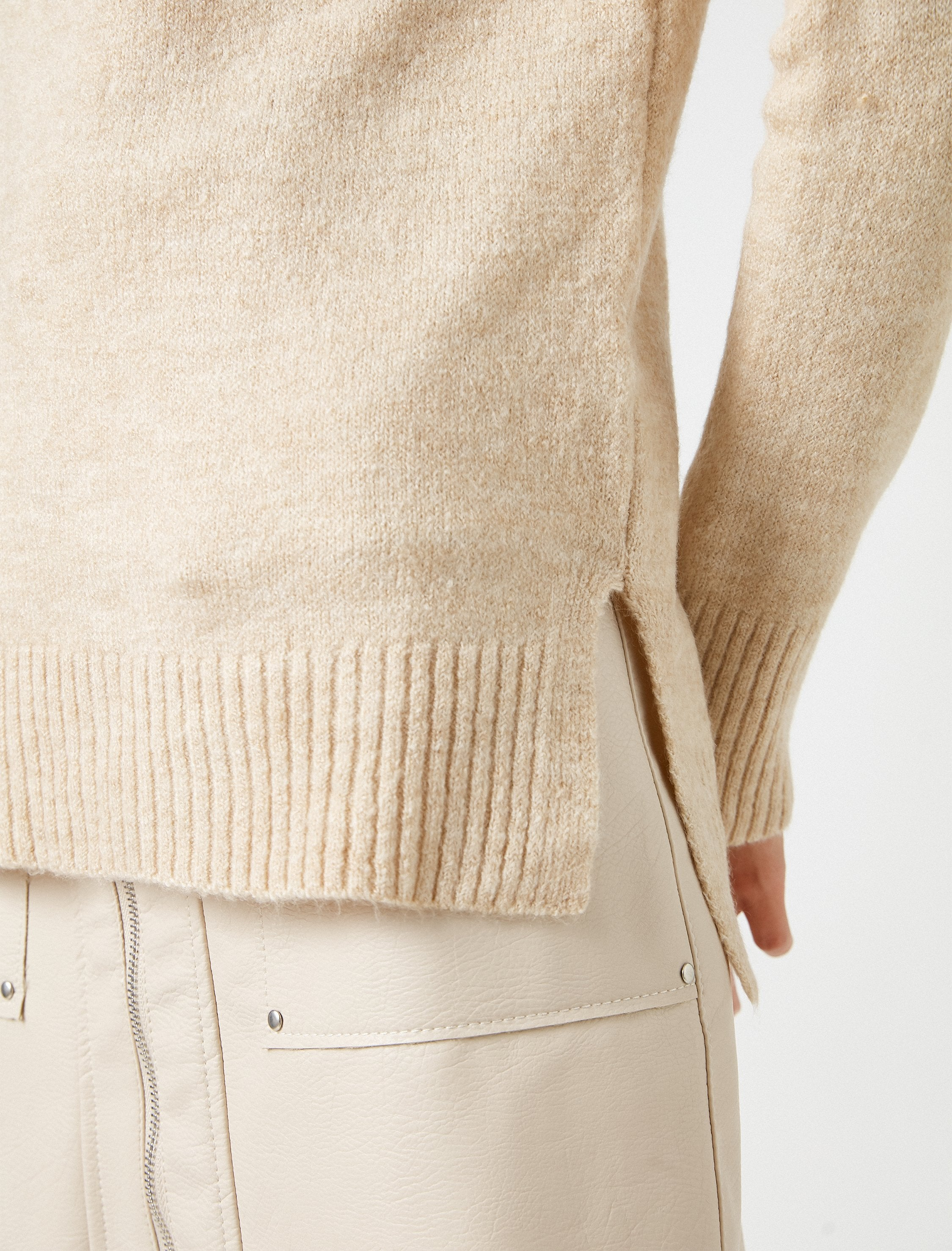 Long Crew Neck Sweater in Camel
