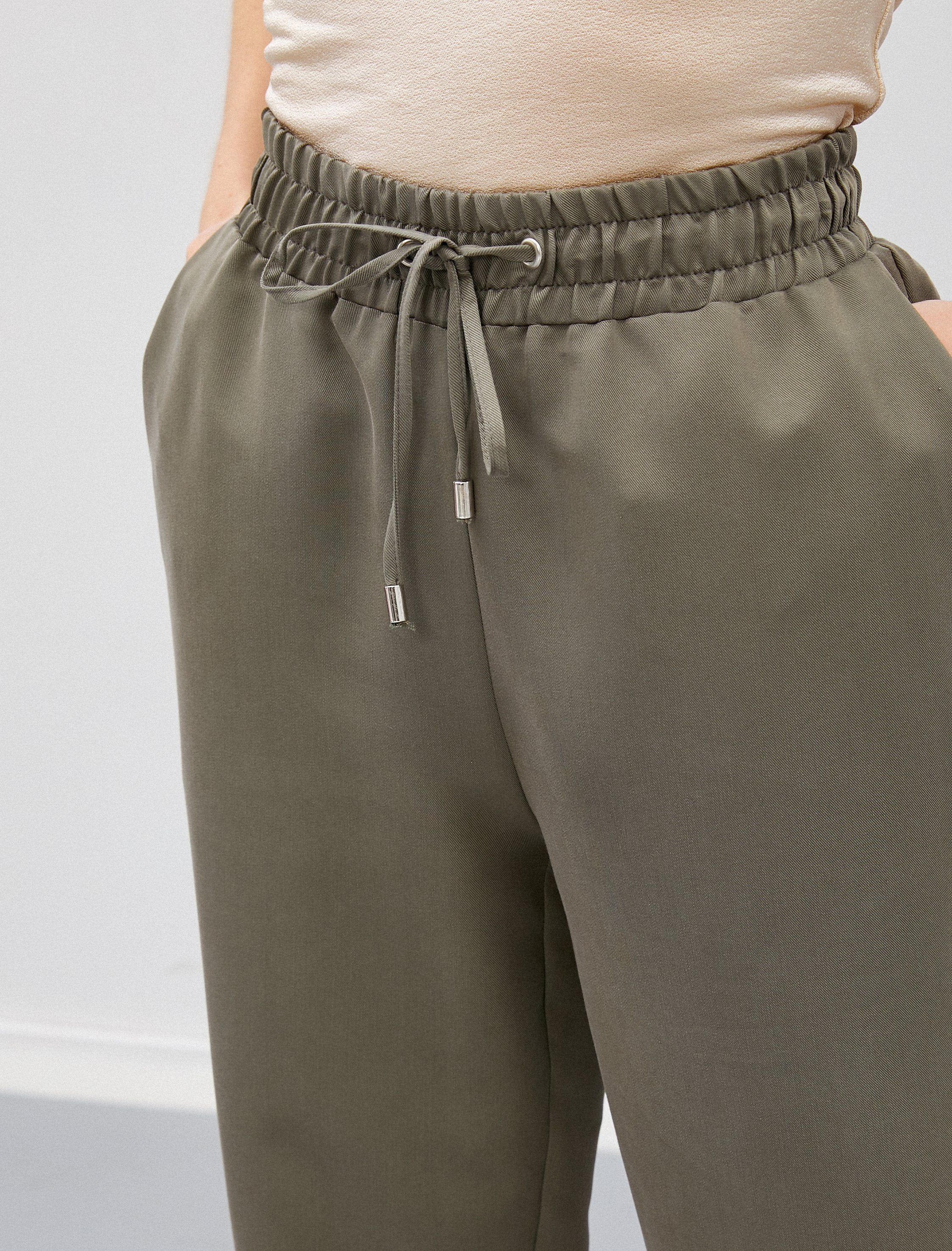 Cropped Pull On Pants in Olive