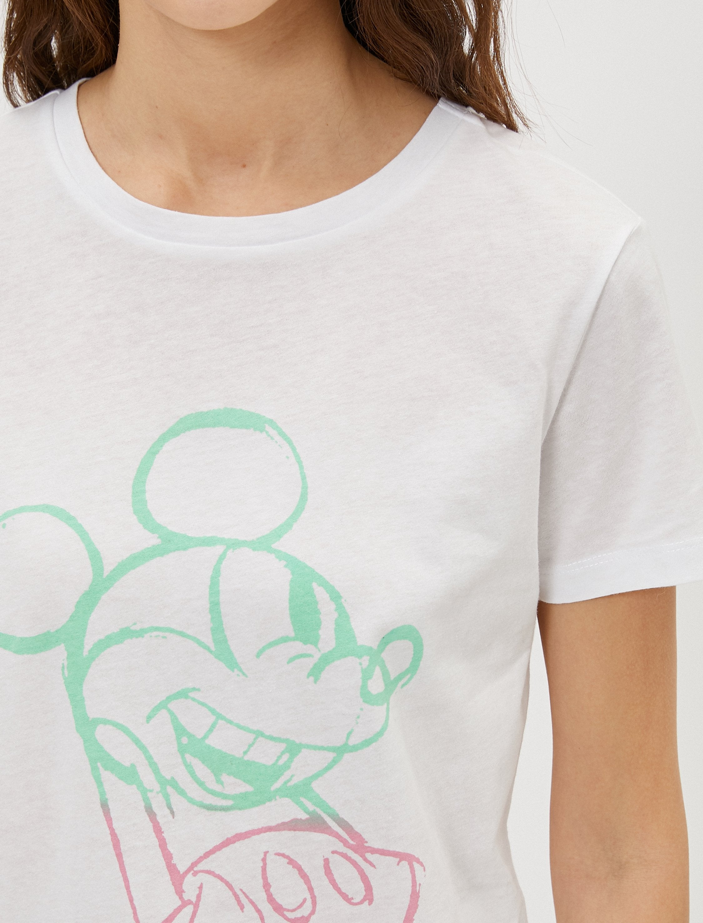 Mickey Mouse Graphic Tshirt in White