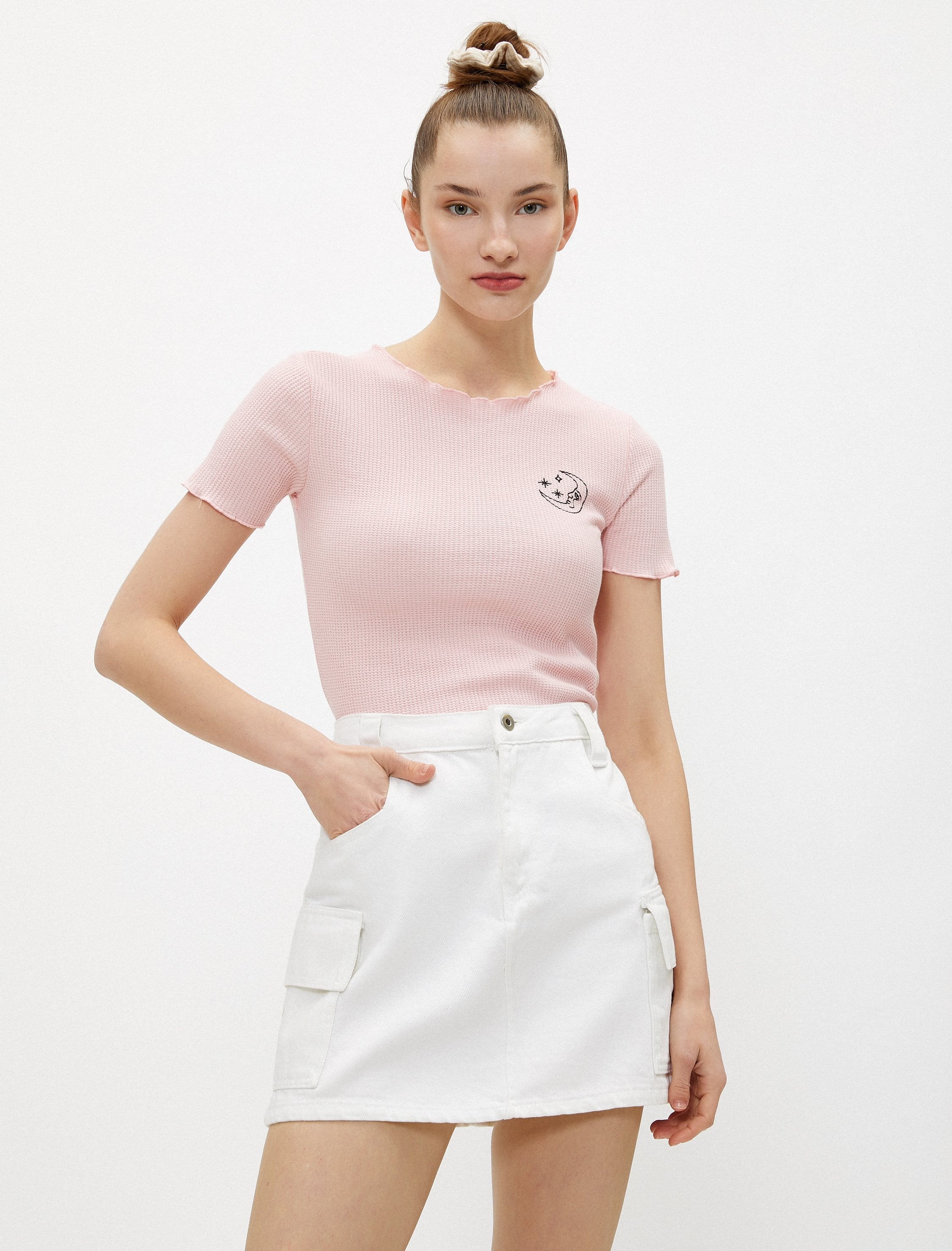 Moon Lettuce Edge Cropped Tee in Rose