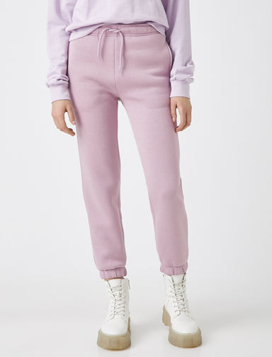 Girlfriend Jogger in Lilac