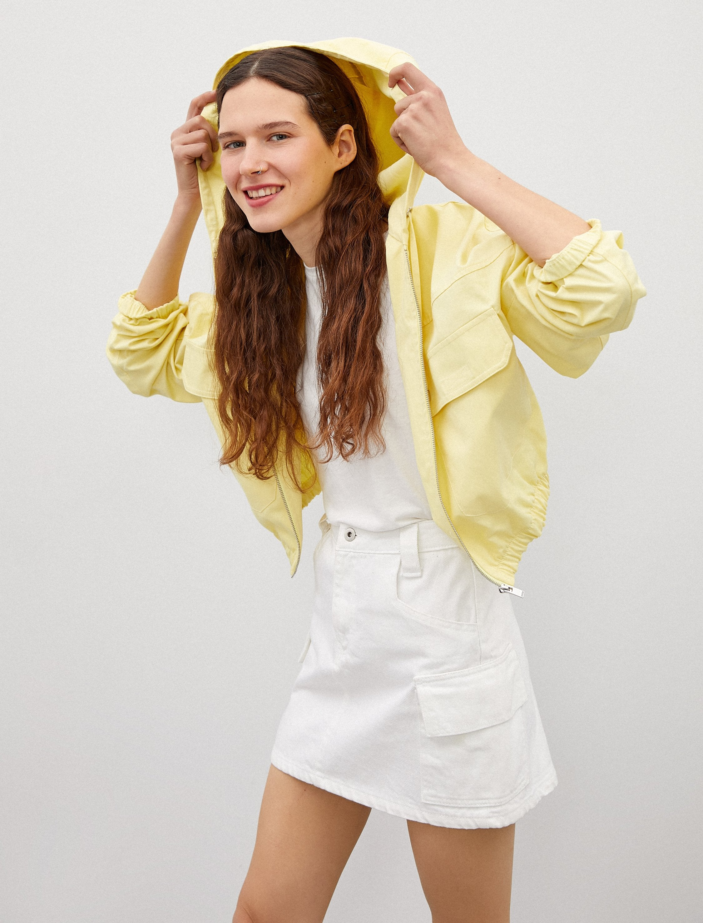 Cropped Windbreaker in Yellow