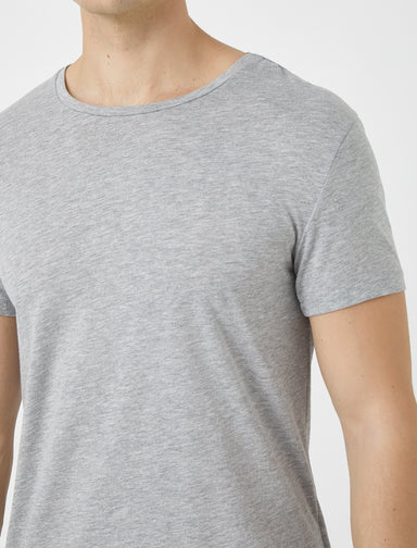 Basic Thirt in Heather Gray