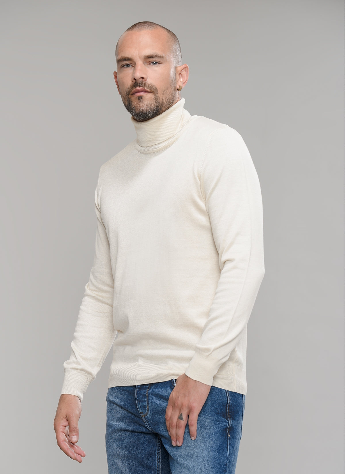 Turtle Neck Sweater in Cream