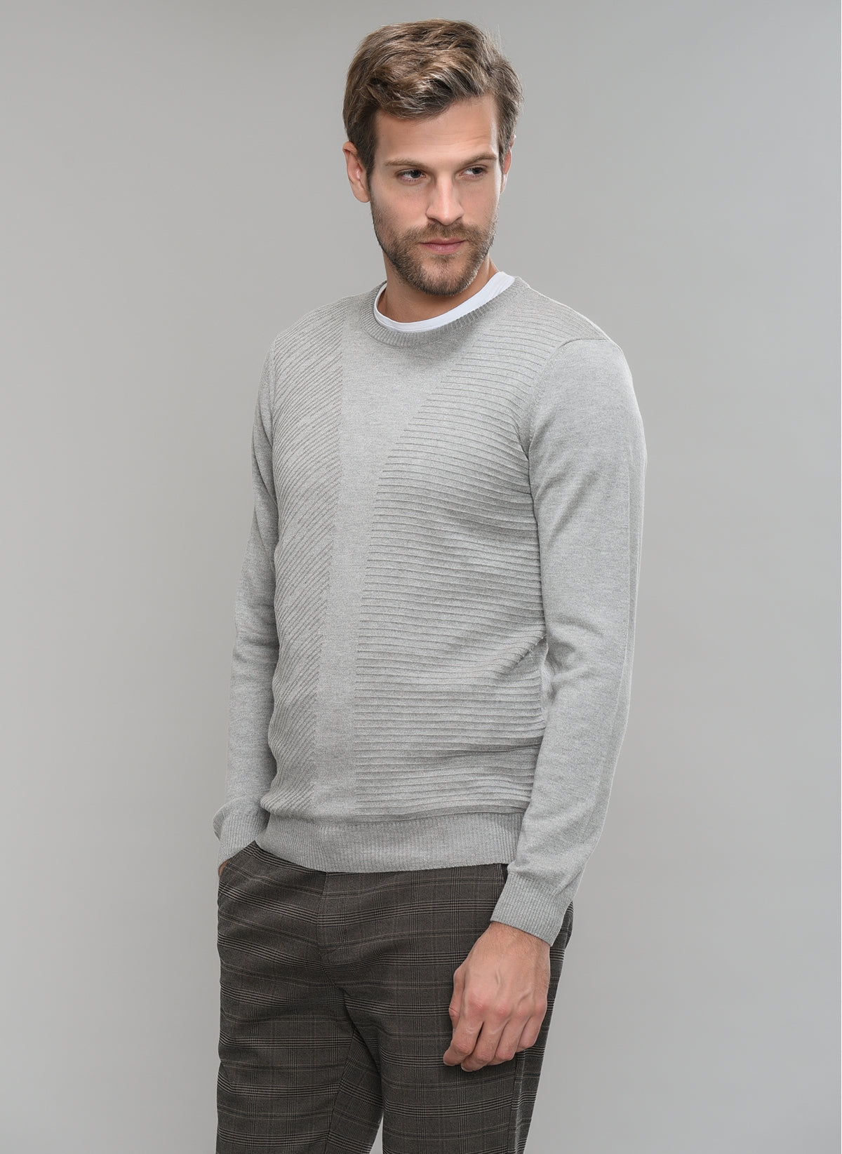 Patterned-Front Sweater in Grey Heather