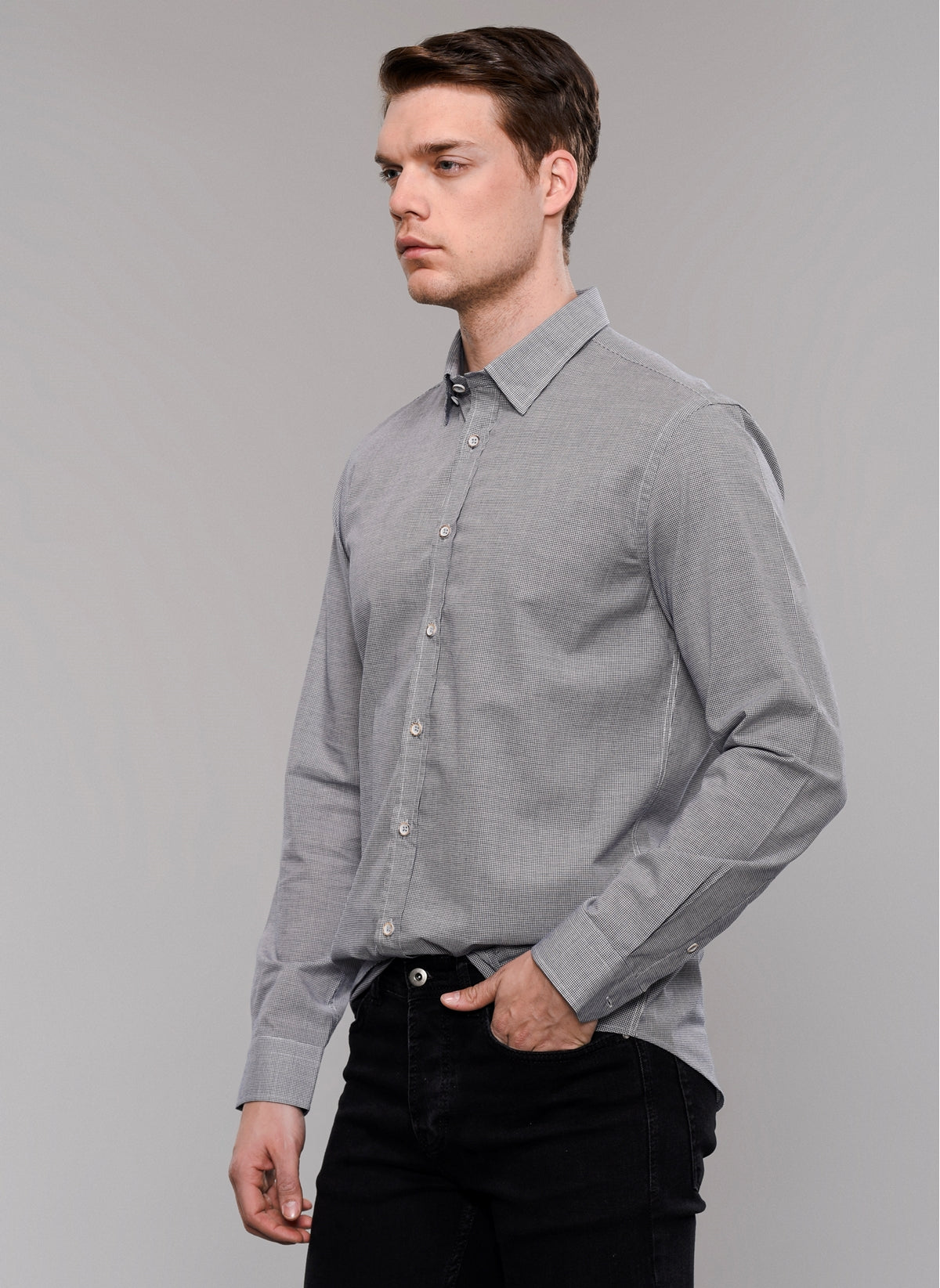 Pin Check Concealed Collar Shirt in Navy
