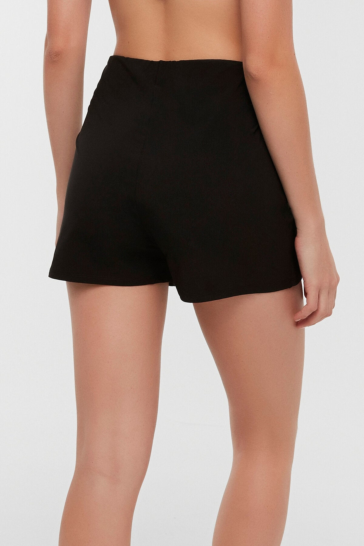 BEACH SKORT IN BLACK